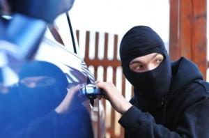 Furto e roubo de veículos registra a terceira alta consecutiva no Brasil